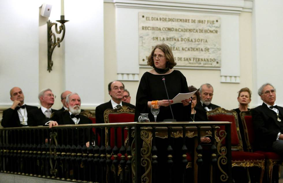 Estrella de Diego, este domingo durante su discurso de ingreso en la Real Academia de Bellas Artes de San Fernando.
