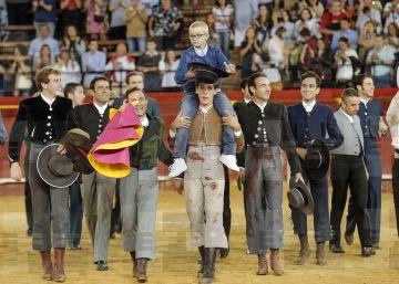 Dos detenidos por injuriar a Adrián, el niño con cáncer que quiere ser torero