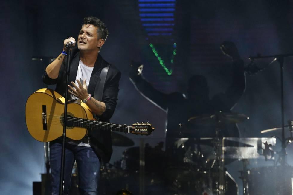 Alejandro Sanz, durante el concierto ofrecido en el Palacio de los Deportes de Madrid.