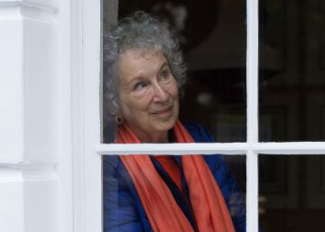 """Margaret Atwood: """"El siglo XX acabó con las utopías"""""""