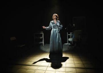 Édith Piaf, la melancolía de un mito en el Teatro Español