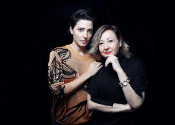 Dos actrices vuelven a casa