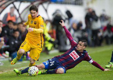 Liga de fútbol: el Eibar recibe al Barcelona