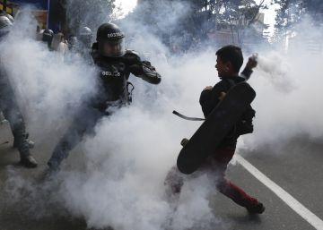 Las protestas marcan la vuelta de los toros a Bogotá