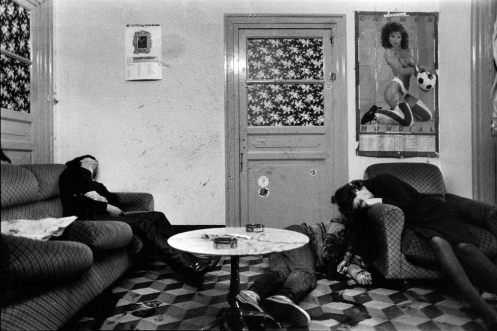 'Assassinato num prostíbulo' (Palermo, 1985), uma das fotografias de Letizia Battaglia.