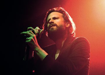 Father John Misty: América, Ano zero