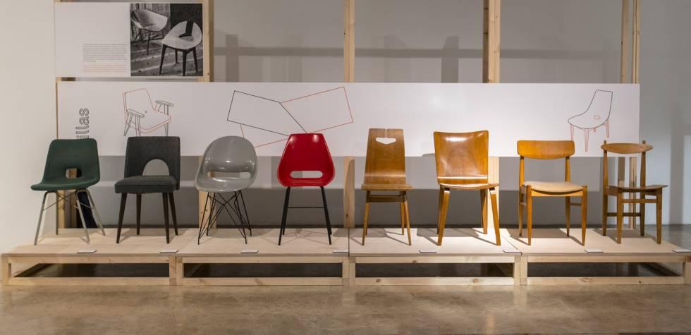 Diferentes diseños orgánicos de sillas polacas y checoslovacas de los años 50 y 60.