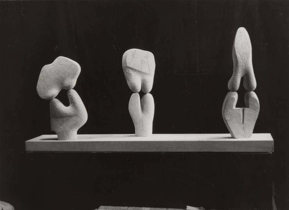 'Tres mujeres', obra de Ángel Ferrant de 1948.