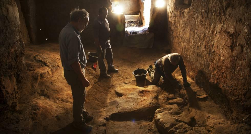 Excavaciones en Turuñuelo de Guareña.