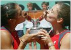 La española Ruano y la argentina Suárez ganan la final de dobles femenino de Roland Garros
