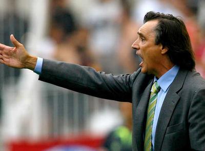 Miguel Ángel Portugal, durante un partido como técnico del Racing