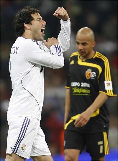La 'peineta' de Van Nistelrooy