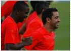 Xavi firma con el Barcelona hasta 2014
