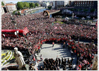 Bilbao recibe al Athletic como si hubiera ganado la Copa