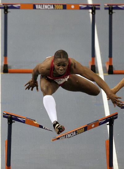 Josephine Onyia, durante los Mundiales en pista cubierta de 2008.