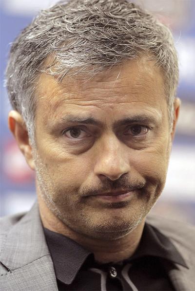 Mourinho, durante la rueda de prensa en Riazor.
