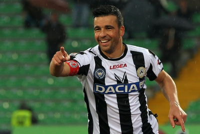 Di Natale celebra su gol ante el Siena.