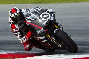 Jorge Lorenzo prueba su nueva moto durante los entrenamientos de pretemporada en el circuito de Sepang en Kuala Lumpur, en enero.
