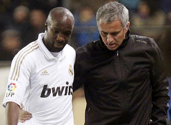 Mourinho anima a Lass tras sustituirle por Callejón en Villarreal