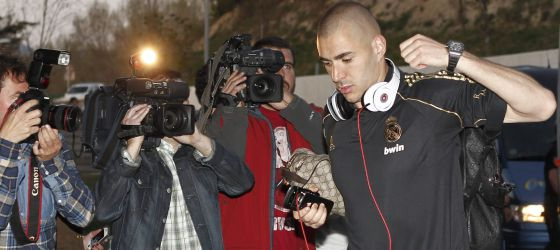 Benzema tras llegar a Pamplona.