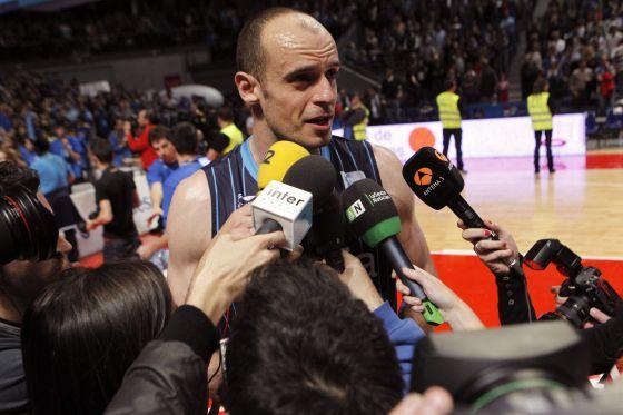 Carlos Jiménez, se despide del baloncesto con el descenso.