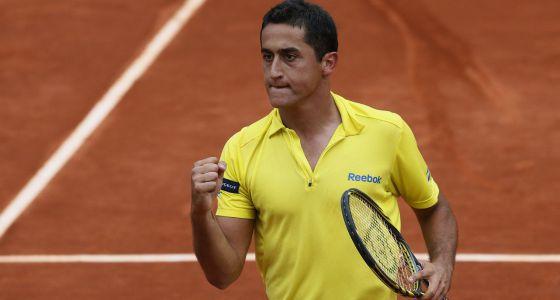 Almagro celebra su victoria en cuartos ante el serbio Tipsarevic.