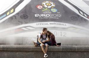 Una pareja en las calles de Kiev