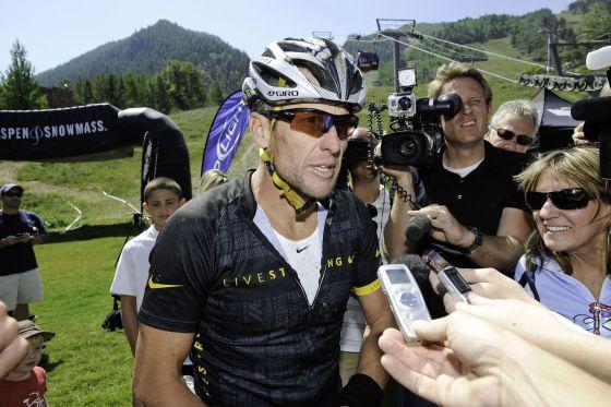 Lance Armstrong, tras concluir una carrera de mountain bike en Aspen.