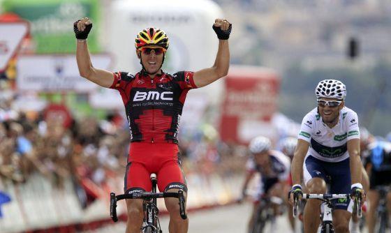 Gilbert llega a meta por delante de Valverde.