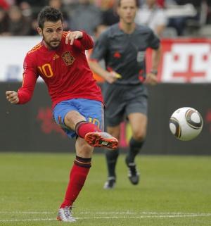 Cesc, en un partido con la selección española.