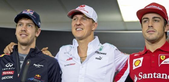 Vettel, Schumacher y Alonso posan para los medios.