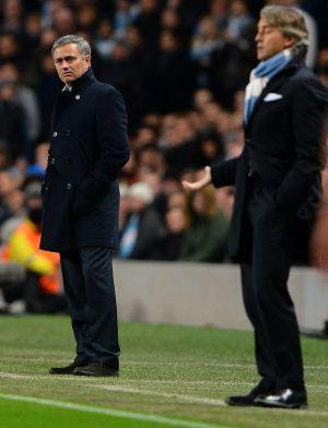 Mourinho y Mancini, durante el partido.