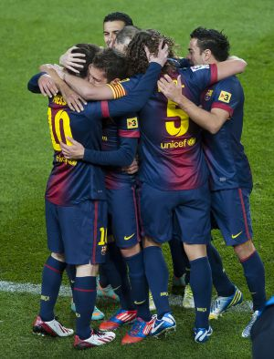 Los jugadores del Barça celebran uno de sus goles al Atlético