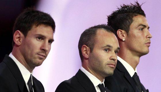 Messi, Iniesta y Cristiano Ronaldo, en la entrega del premio al mejor jugador europeo.