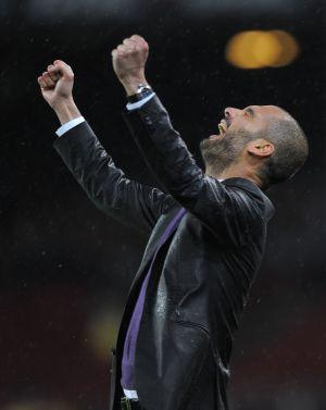 Pep Guardiola festeja un gol del Barcelona en el Camp Nou