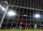 El Barça no puede con Varane