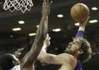 Los Lakers, con 23 puntos de Pau, se salvan tres veces en Detroit