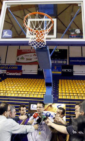 Pedro Martínez atiende a los medios de comunicación