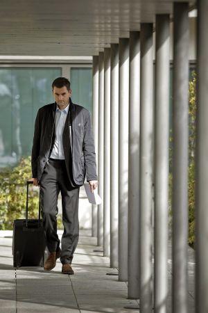 El experto independiente contratado por la Agencia Mundial Antidopaje (AMA) Yorck Olaf Schumacher, a la salida del juzgado