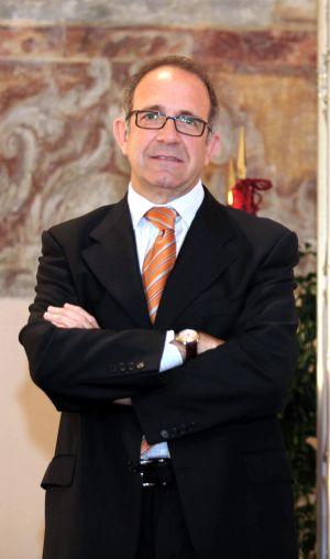 López Cerrón, presidente de la federación de ciclismo.