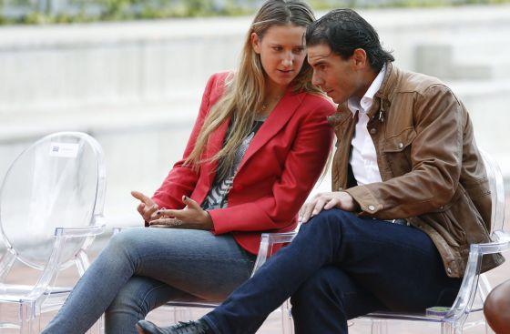 Rafael Nadal, con Azarenka en la presentación del Mutua Madrid Open.