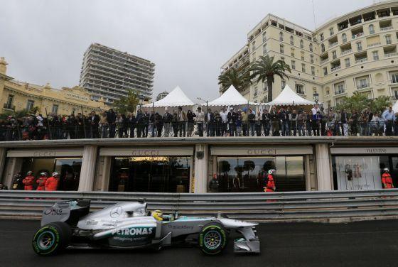 Mercedes suma de dos en dos