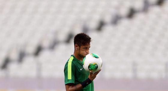 Neymar, antes de enfrentarse a México.