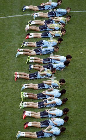 Los jugadores de la selección española de fútbol sub-20, durante un entrenamiento
