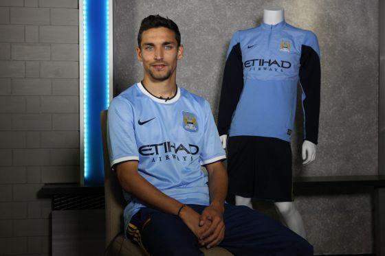 Navas, con la camiseta de su nuevo equipo, el Manchester City.