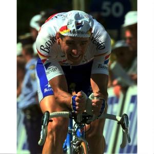 Olano, en una contrarreloj del Tour de 1998