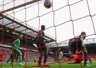 El Liverpool vence al United y Anfield revive otras épocas