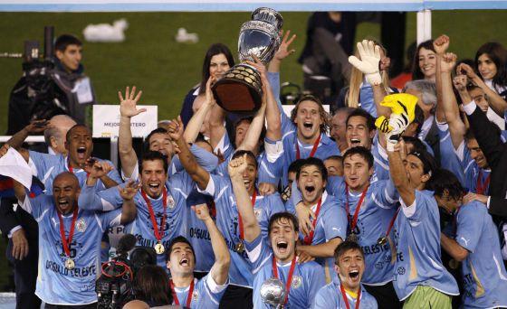 ¿Por qué Uruguay es una potencia del fútbol? (aunque su seleccionador lo niega)