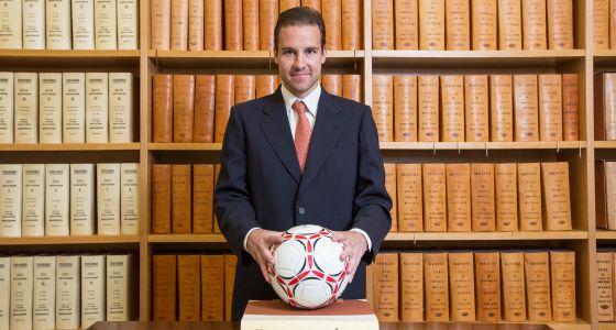 El futbolista notario 1399043628_074877_1399043884_noticia_normal