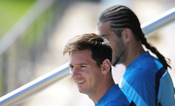 Messi, junto a Pinto, en el entrenamiento de hoy.
